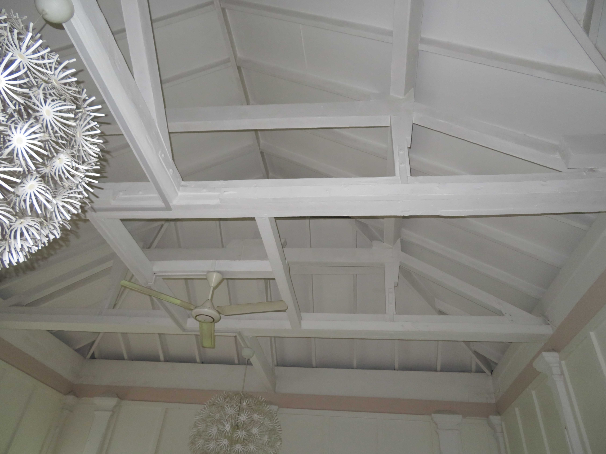 Exposed timber roofing structure