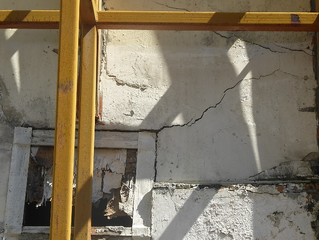 Crack on wall due to differential movement in building elements
